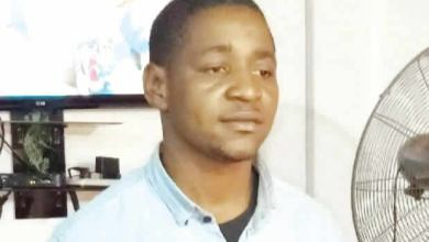 Photo of Beware! Ladies be careful as Cobbler Exposes The Nude Picture of A Student He Raped