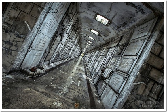 crypt01
