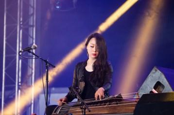 Sim Eun-yong avec Jambinai au Hellfest le 17 juin 2016