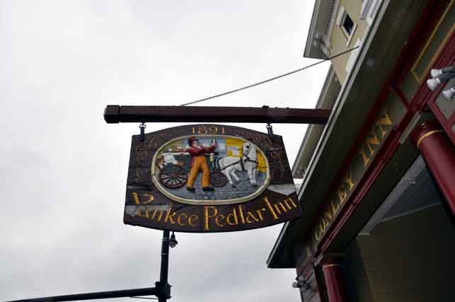 Yankee Pedlar Inn Sign, Torrington, Connecticut