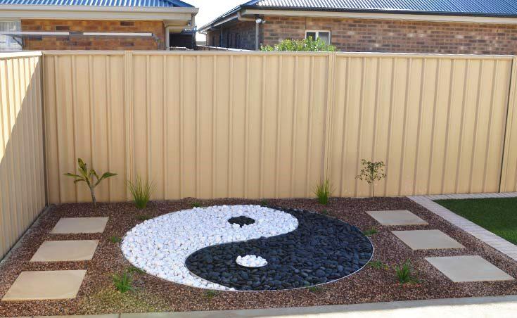 Garden design using river pebbles