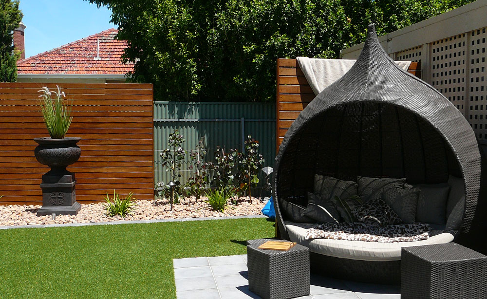 Outdoor Garden Furniture Feature