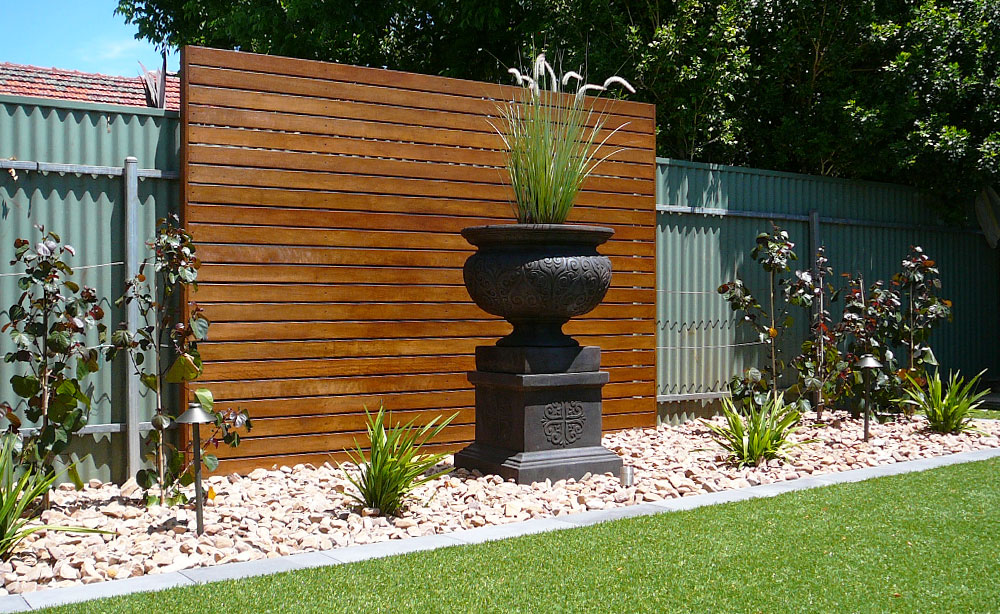 Hardwood Privacy Screen Garden Feature