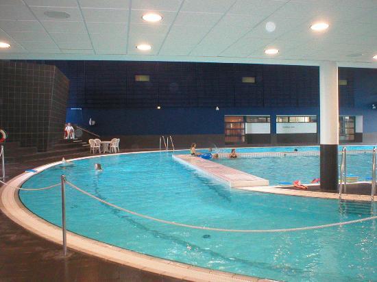 Piet Hein super-egg swimming pool