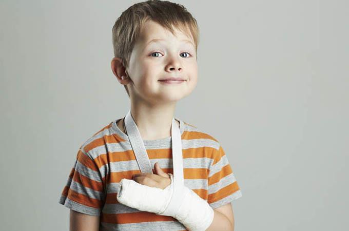 bambino_braccio_rotto_VitD