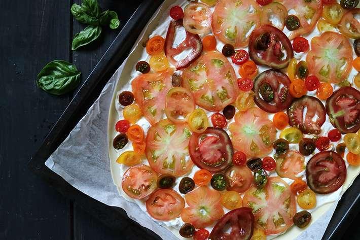 pizza d'estate prima della cottura