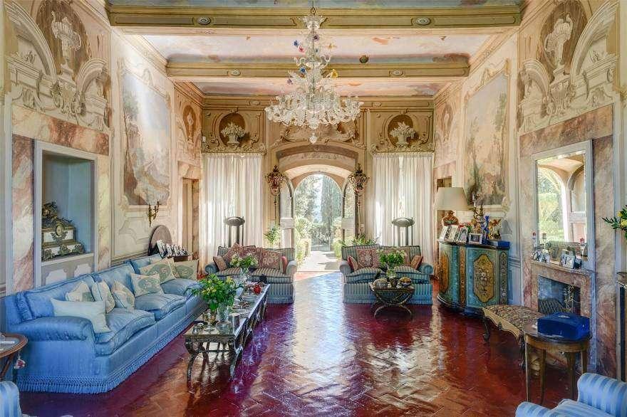 case di lusso in vendita