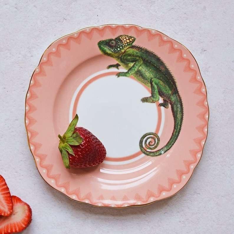 notizie belle e oggetti belli: il piatto col camaleonte