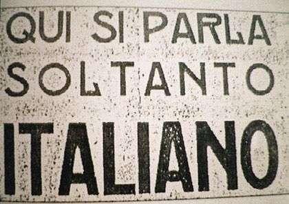 qui si parla soltanto italiano cartello