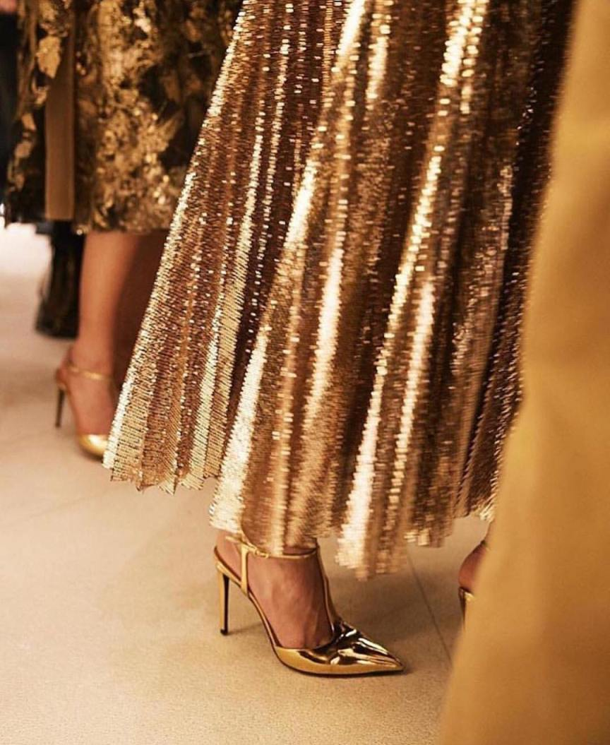 vestirsi per le feste in oro