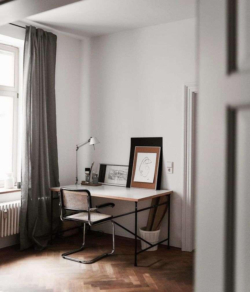 scrivania in casa
