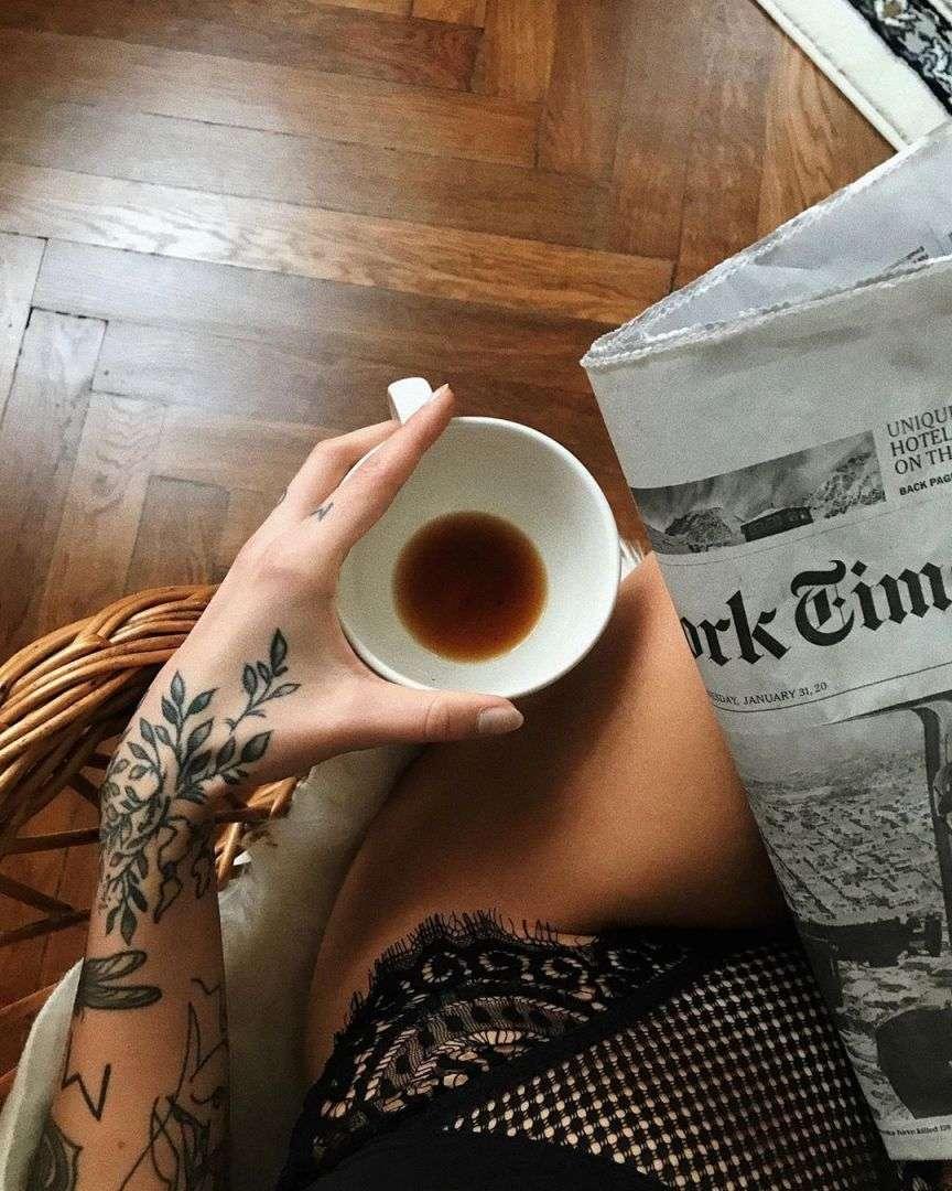 caffè e mutande nere