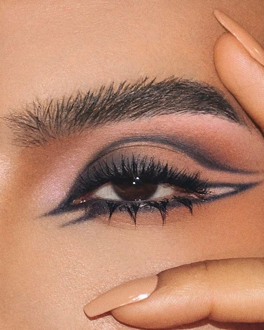 Occhio con doppia linea eyeliner