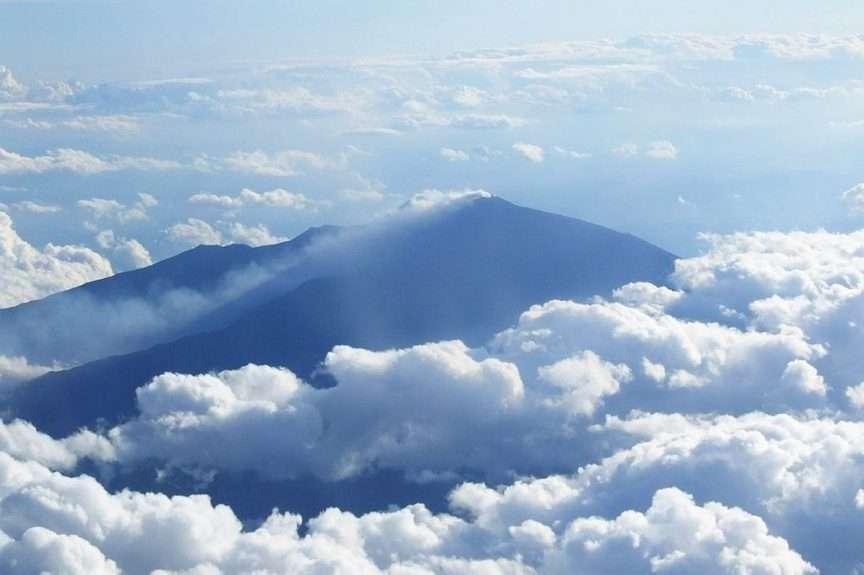 Monte Etna dall'alto in autunno