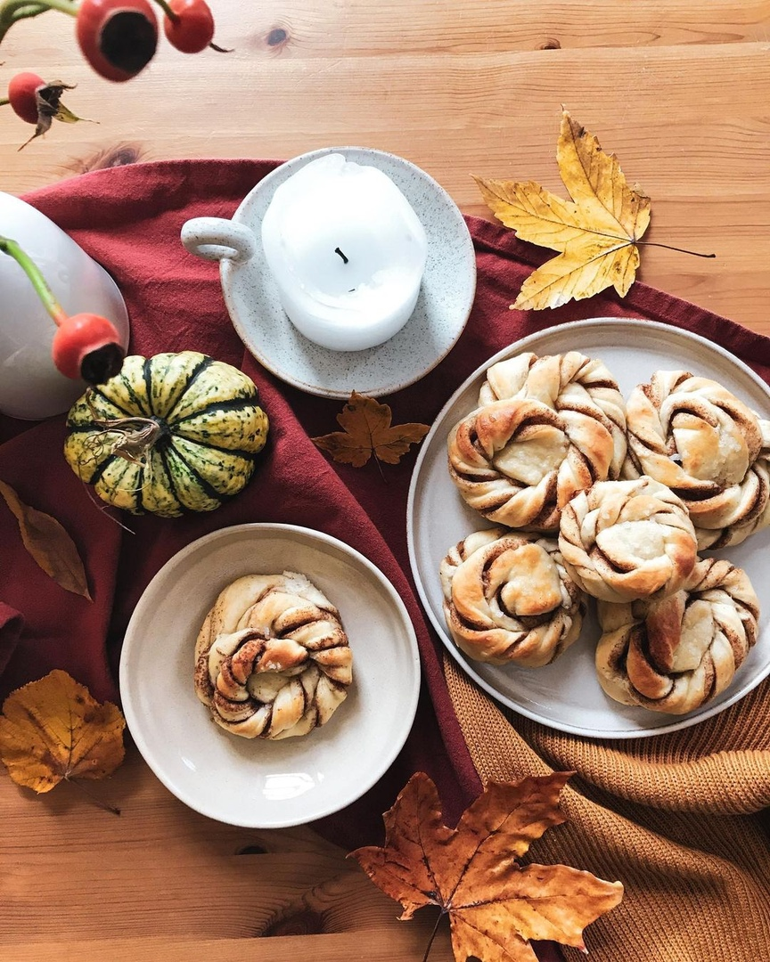 kanelbullar o cinnamon rolls
