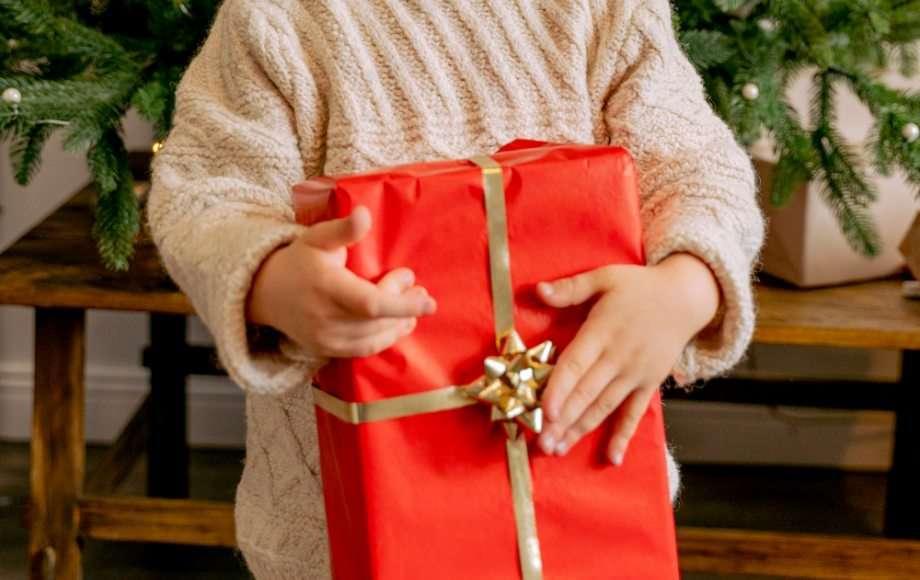 Fare un regalo a tua cognata può sembrare difficile, ma se vuoi impressionarla e mostrarle quanto ti importa di lei abbiamo preparato una lista di 10 fantastiche idee regalo per tutte le tasche per far felice tua cognata!. Regali Di Natale Gender Neutral Per Bambini E Ragazzi Vita Su Marte