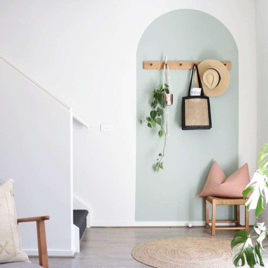 arco colorato parete