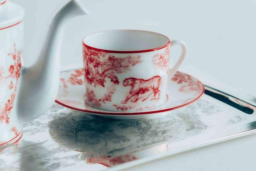 tazza con disegno tela di jouy