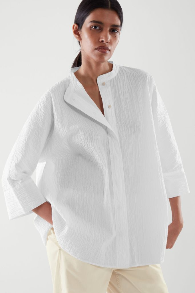 Come indossare la camicia bianca