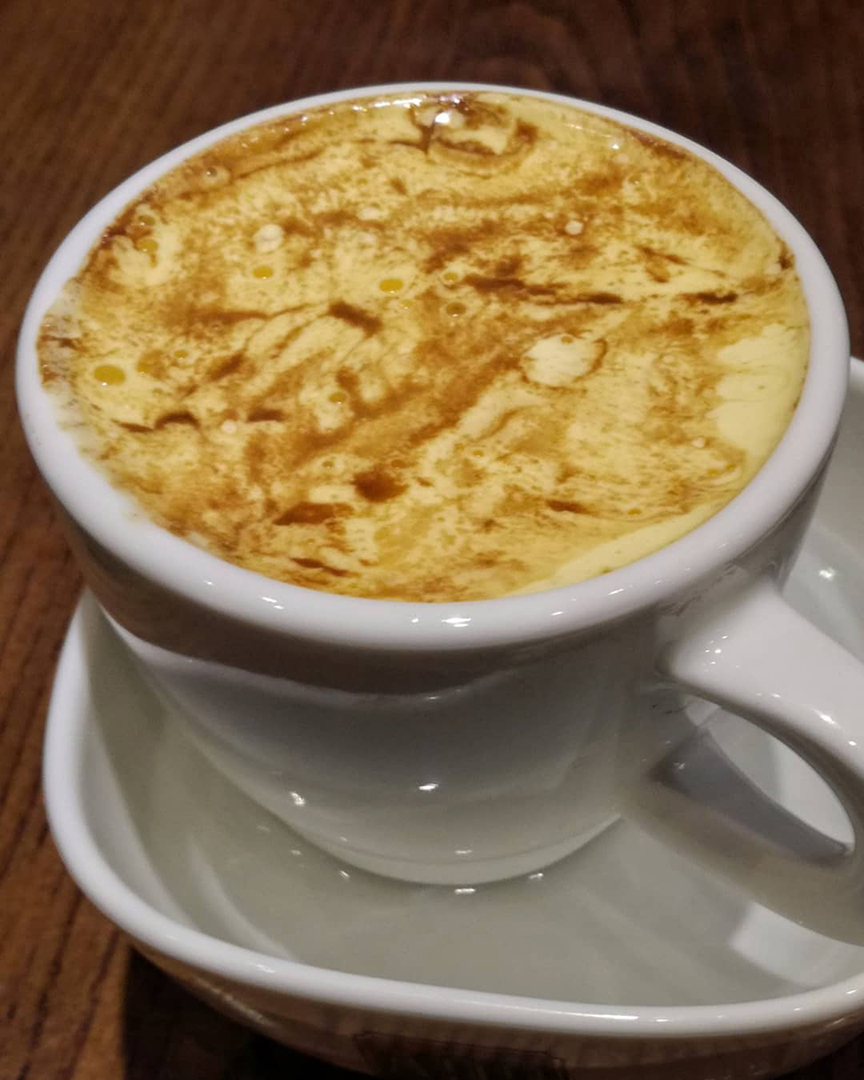 caffè buono con crema di uovo