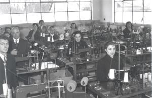 Interior de la fábrica de Areitio (ATHA-DAF-SCH-12683)