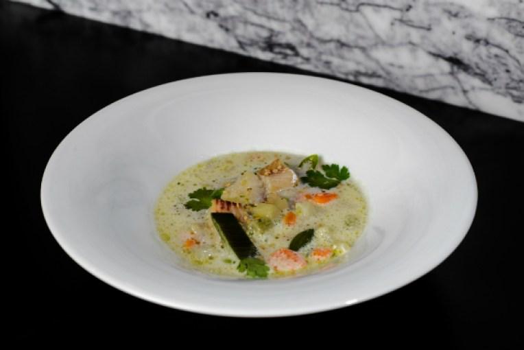 Supa de legume in stil thai cu Alaska Pollock