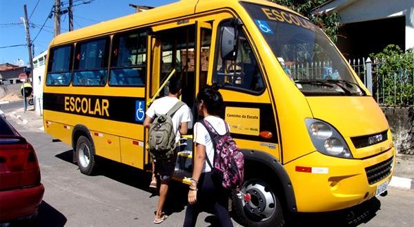 Justiça da PB determina apreensão de 20 ônibus escolares irregulares