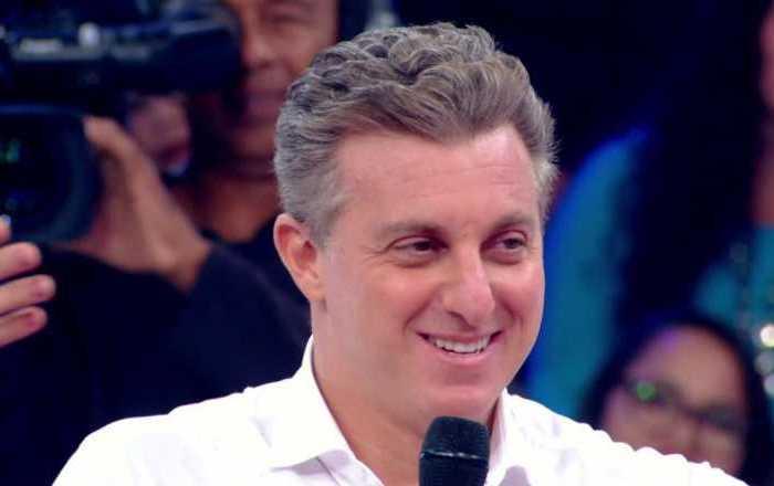 TV Globo vai conversar com Luciano Huck sobre futuro político