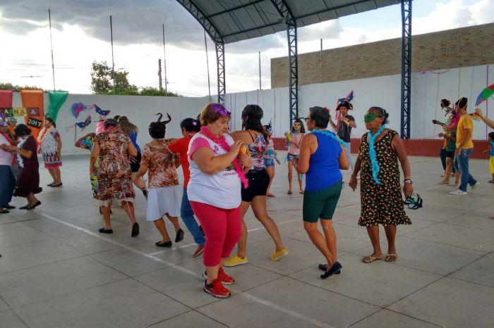 Assistência Social de Sumé realiza atividades de carnaval para seus usuários