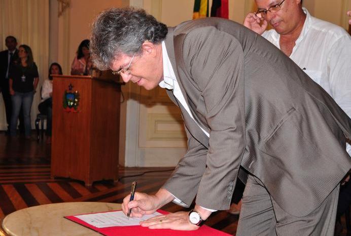 Ricardo faz mudanças no 11° Batalhão da PM em Monteiro