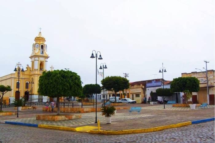 EXCLUSIVO: Bandidos agridem médico e roubam carro e objetos em cidade do Cariri