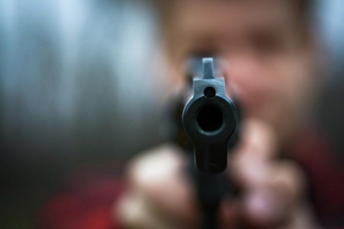 Criminosos armados fecham BR na região do Cariri e roubam comerciantes que iam ao PE
