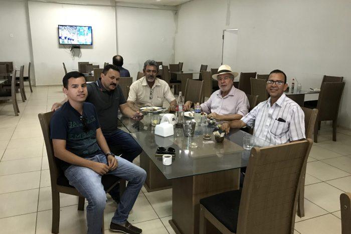 Batinga se reúne com lideranças políticas do Cariri e fala sobre compromissos e projetos