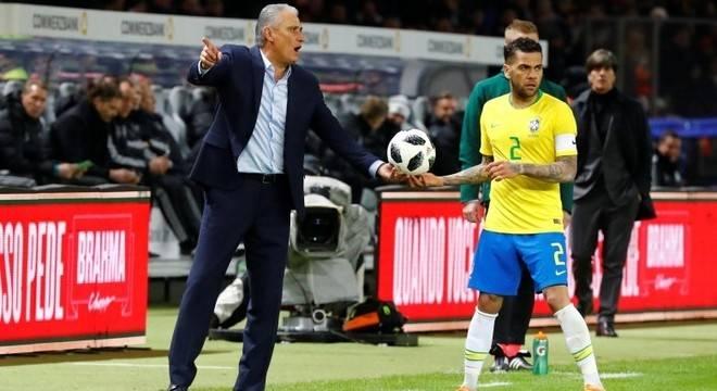 Tite afasta sentimento de vingança do Brasil pelo 7 a 1 da Alemanha