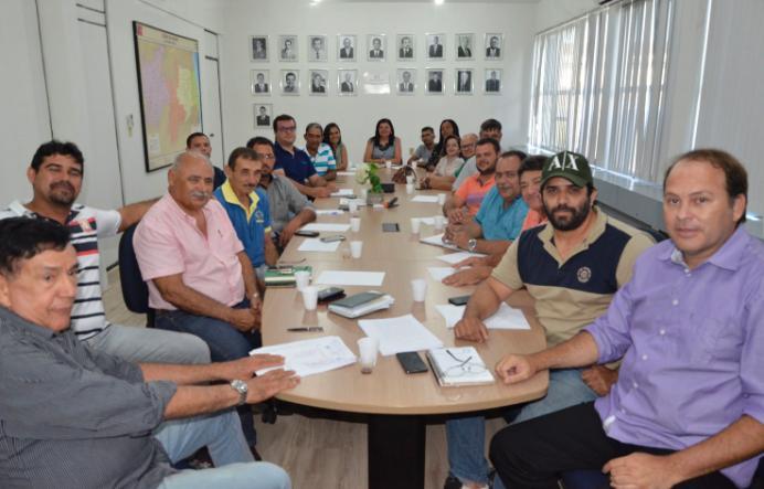 Produtores do Cariri paraibano serão beneficiados com programa de abatedouro de frangos caipiras