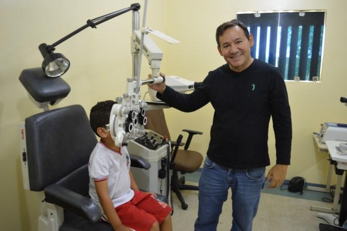 Prefeitura de Sumé realiza exames de vista em estudantes da zona rural