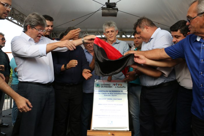 Governador inaugura estrada que liga Campina Grande ao Cariri paraibano