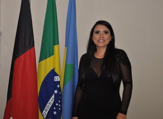 Prefeita de Ouro Velho, Natália Lira, usa educação como 'escudo' contra a criminalidade
