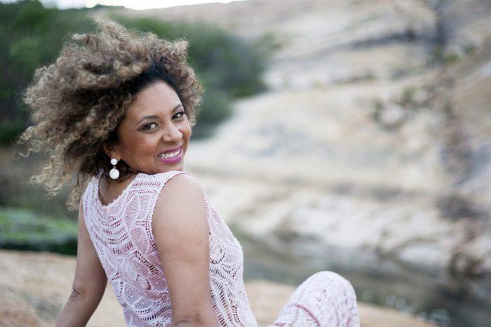 Sandra Belê encerra temporada na Paraíba com dois shows