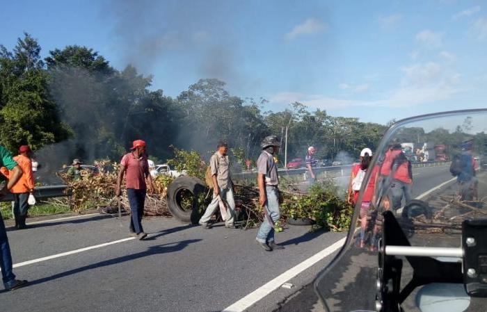 Rodovias federais são bloqueados por manifestantes