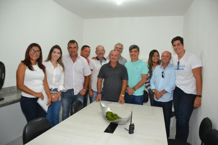 Prefeita, vice e vereadores de Monteiro demonstram afinidade com Wellington Roberto