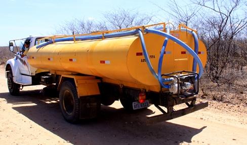 Parceria com Estado garante abastecimento através de carros-pipa para Santo André