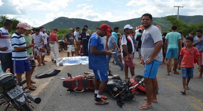 Acidente entre motos em rodovia da PB deixa três pessoas mortas
