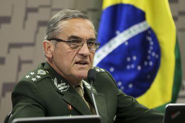 """Comandante do Exército diz que ordem é """"buscar solução sem conflitos"""""""