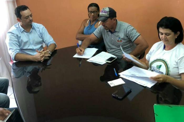 Prefeito de Sumé, Éden Duarte, e Procase discutem investimentos no município