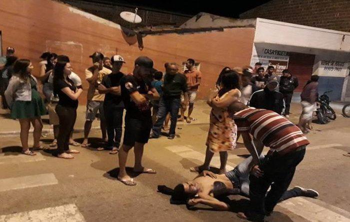 Acidente entre carro e moto na cidade de Sumé envolve dois jovens de Monteiro