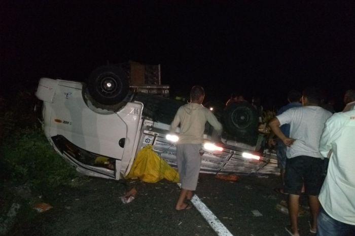 Comerciante Monteirense sofre acidente de carro na BR-412 no Cariri após pneu estourar