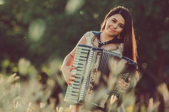 Aproveitando o sucesso, Eduarda Brasil canta com Wesley Safadão