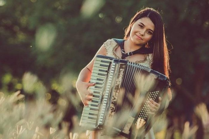 Vencedora do 'The Voice Brasil Kids', Eduarda Brasil lança primeiro EP