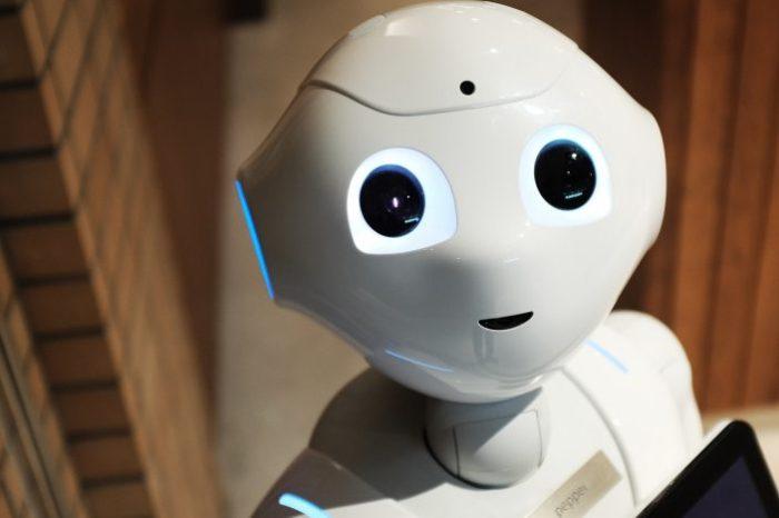 Robôs atendentes substituem humanos e já chegaram ao Brasil